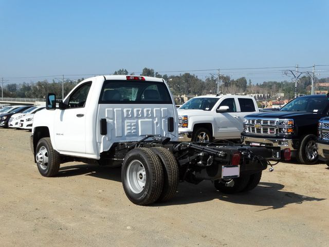 2015 Silverado 3500 Regular Cab, Cab Chassis #F512686 - photo 2