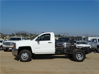 2015 Silverado 3500 Regular Cab, Cab Chassis #F512686 - photo 4