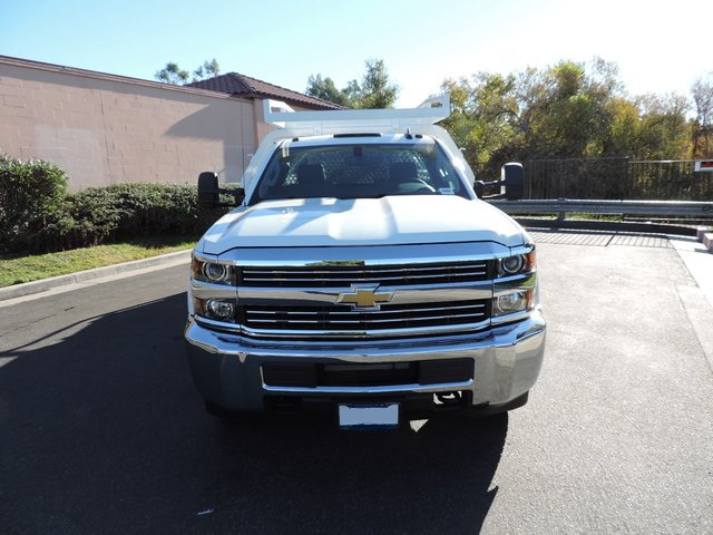 2015 Silverado 3500 Regular Cab, Royal Contractor Body #F532906 - photo 3