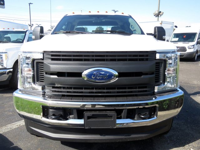 2019 F-350 Super Cab 4x4,  Reading Service Body #KEC58718 - photo 3