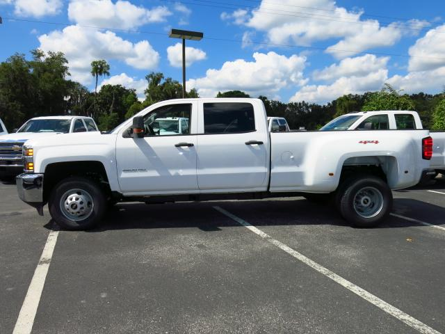 2015 Silverado 3500 Crew Cab 4x4, Pickup #635787 - photo 3