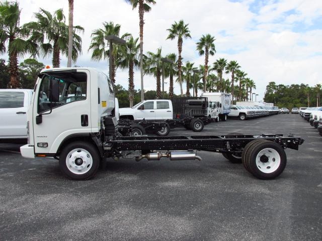 2016 Low Cab Forward Regular Cab, Cab Chassis #GS809364 - photo 3