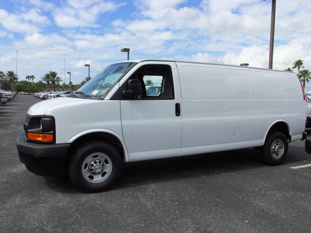 2017 Express 2500, Cargo Van #H1112657 - photo 3