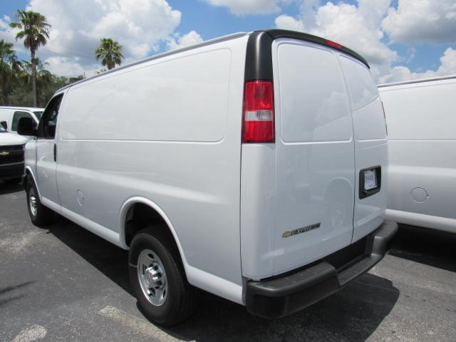 2017 Express 2500 Cargo Van #H1137082 - photo 3