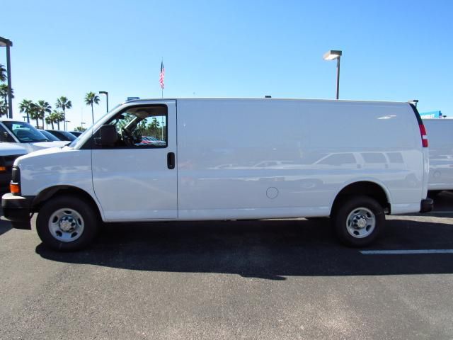 2017 Express 3500, Cargo Van #H1138825 - photo 4