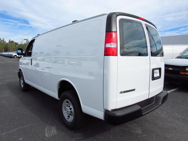 2017 Express 2500, Cargo Van #H1145563 - photo 4
