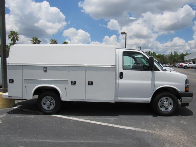 2017 Express 3500, Knapheide Service Utility Van #H1156106 - photo 5
