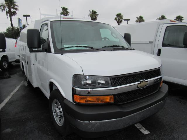 2017 Express 3500, Knapheide Service Utility Van #H1157928 - photo 4