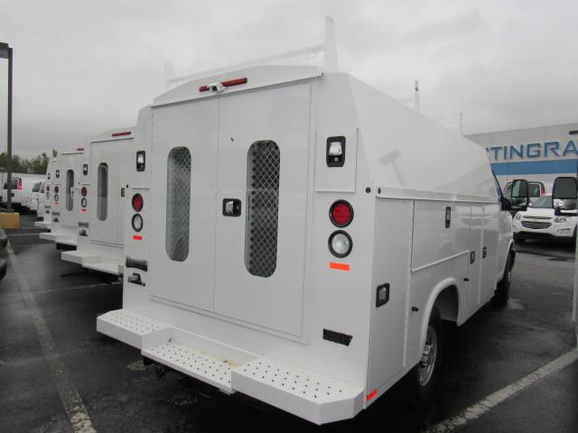 2017 Express 3500, Knapheide Service Utility Van #H1157928 - photo 5