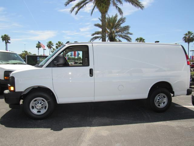 2017 Express 2500, Cargo Van #H1184764 - photo 3