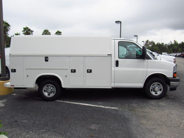 2017 Express 3500, Knapheide Service Utility Van #H1208493 - photo 3
