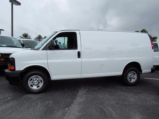 2017 Express 2500 Cargo Van #H1326528 - photo 4