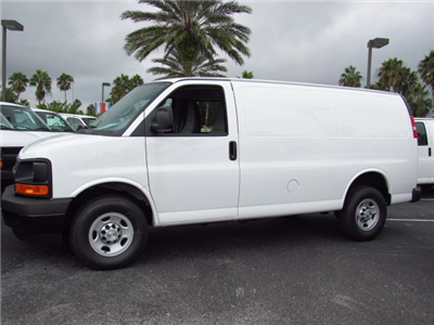 2017 Express 2500 Cargo Van #H1339290 - photo 4