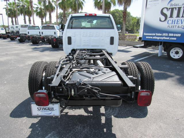 2017 Silverado 3500 Regular Cab 4x4, Cab Chassis #HF227611 - photo 4