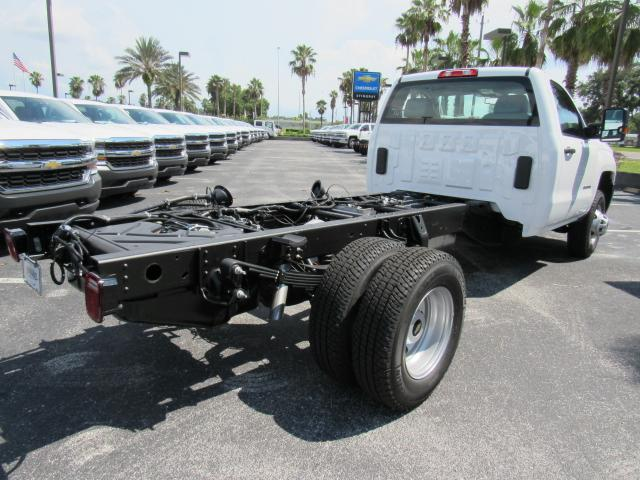 2017 Silverado 3500 Regular Cab 4x4, Cab Chassis #HF227611 - photo 5