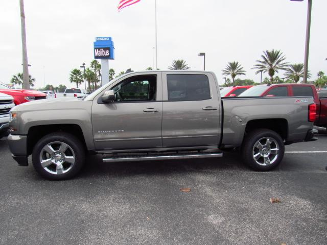 2017 Silverado 1500 Crew Cab 4x4, Pickup #HG240086 - photo 3
