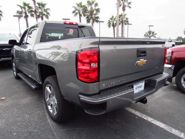 2017 Silverado 1500 Crew Cab 4x4, Pickup #HG240086 - photo 2