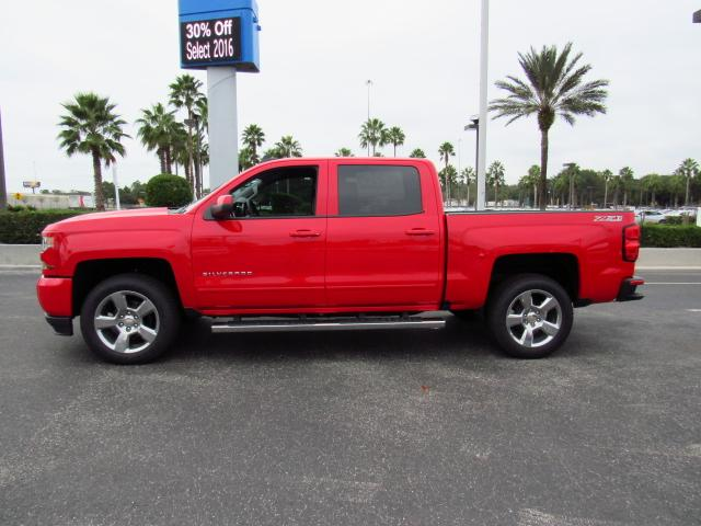 2017 Silverado 1500 Crew Cab 4x4, Pickup #HG246204 - photo 3