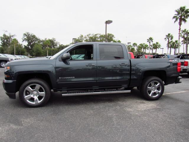 2017 Silverado 1500 Crew Cab 4x4, Pickup #HG257039 - photo 3