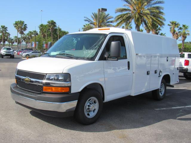 2018 Express 3500, Service Utility Van #J1174266 - photo 4