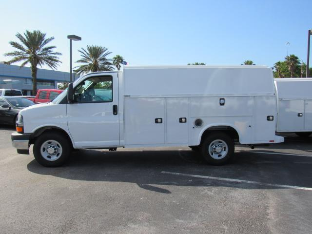 2018 Express 3500, Service Utility Van #J1174266 - photo 5