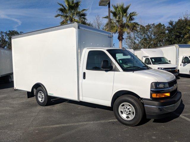 2018 Express 3500 4x2,  Rockport Cargoport Cutaway Van #J1339541 - photo 3