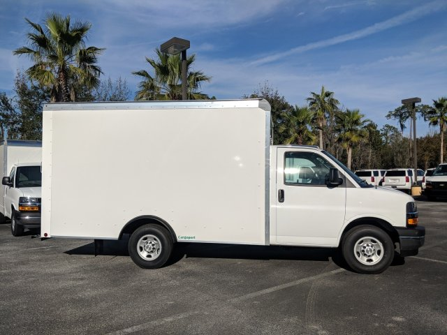2018 Express 3500 4x2,  Rockport Cutaway Van #J1339541 - photo 4