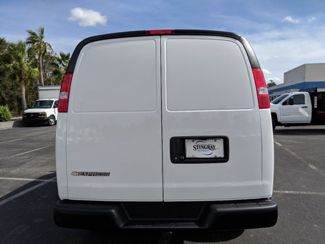2018 Express 2500 4x2,  Empty Cargo Van #J1344911 - photo 6