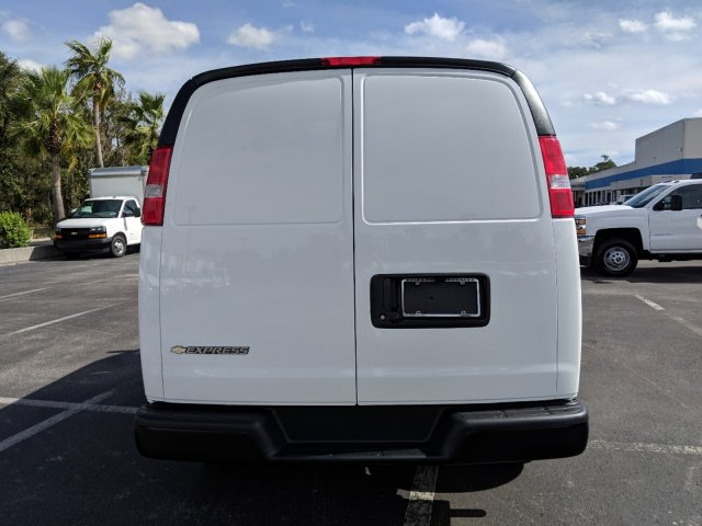 2018 Express 2500 4x2,  Empty Cargo Van #J1345231 - photo 6