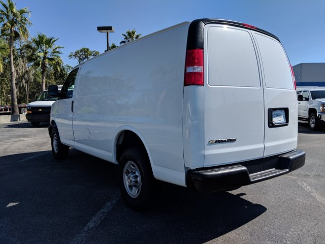 2018 Express 2500 4x2,  Empty Cargo Van #J1345411 - photo 7