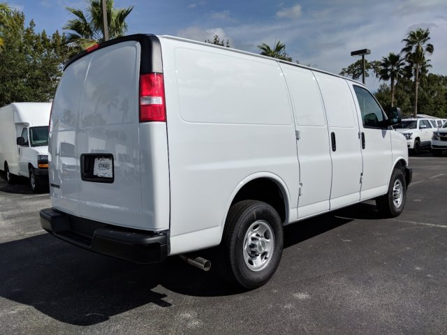 2018 Express 2500 4x2,  Empty Cargo Van #J1345474 - photo 3