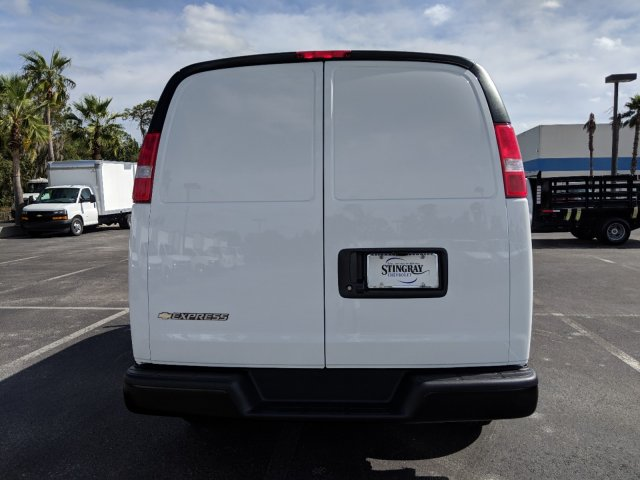 2018 Express 2500 4x2,  Empty Cargo Van #J1345474 - photo 6
