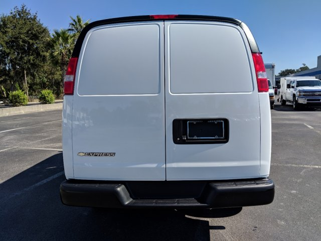 2018 Express 2500 4x2,  Empty Cargo Van #J1345680 - photo 6