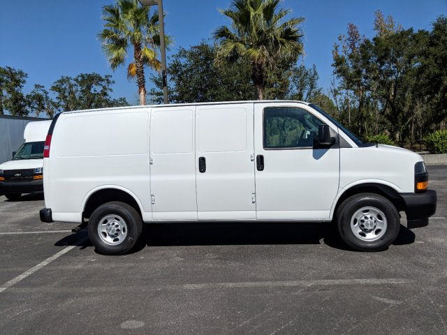 2018 Express 2500 4x2,  Empty Cargo Van #J1345699 - photo 4