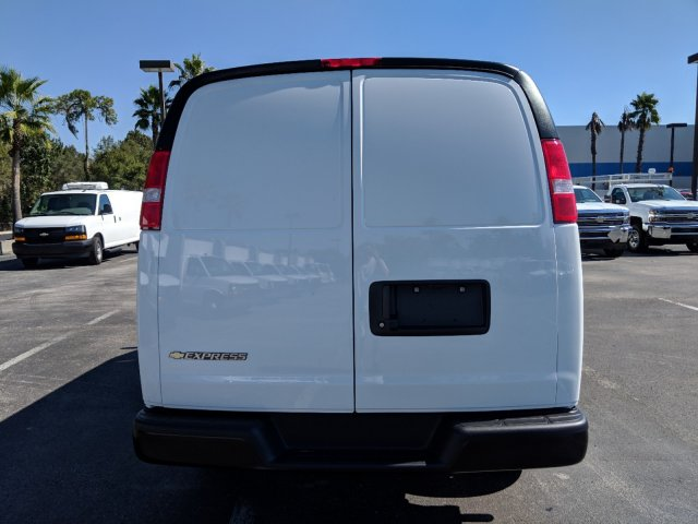 2018 Express 2500 4x2,  Empty Cargo Van #J1345699 - photo 6