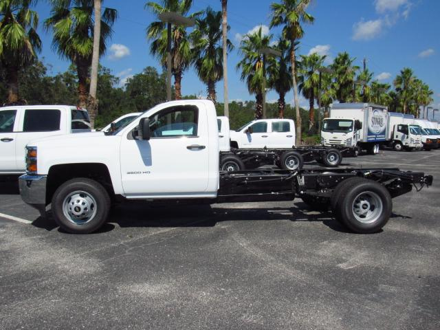 2018 Silverado 3500 Regular Cab 4x4 Cab Chassis #JF106065 - photo 3