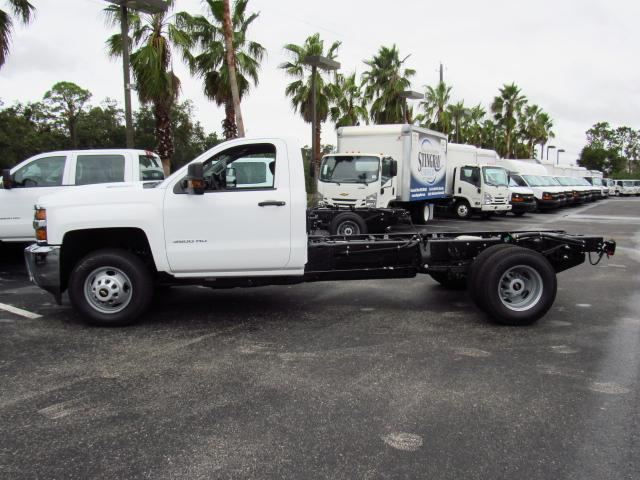 2018 Silverado 3500 Regular Cab DRW, Cab Chassis #JF132787 - photo 3