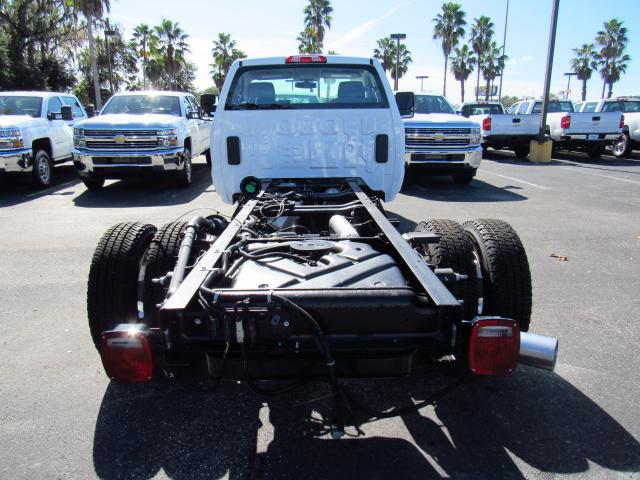 2018 Silverado 3500 Regular Cab 4x4 Cab Chassis #JF133908 - photo 4