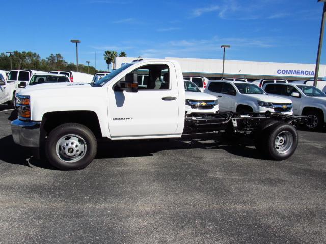 2018 Silverado 3500 Regular Cab 4x4 Cab Chassis #JF135774 - photo 3