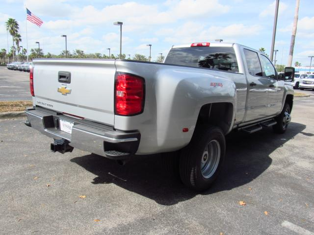 2018 Silverado 3500 Crew Cab 4x4, Pickup #JF205517 - photo 6