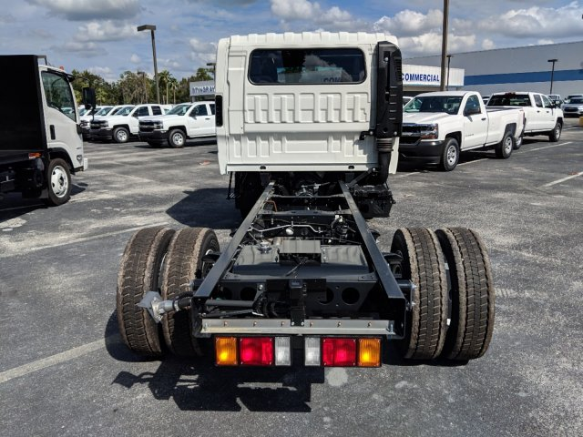 2018 LCF 4500 Crew Cab 4x2,  Cab Chassis #JS805298 - photo 4