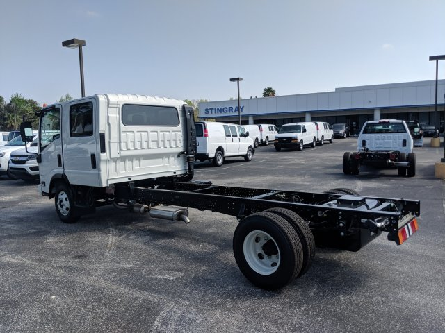 2018 LCF 3500 Crew Cab 4x2,  Cab Chassis #JS811771 - photo 6