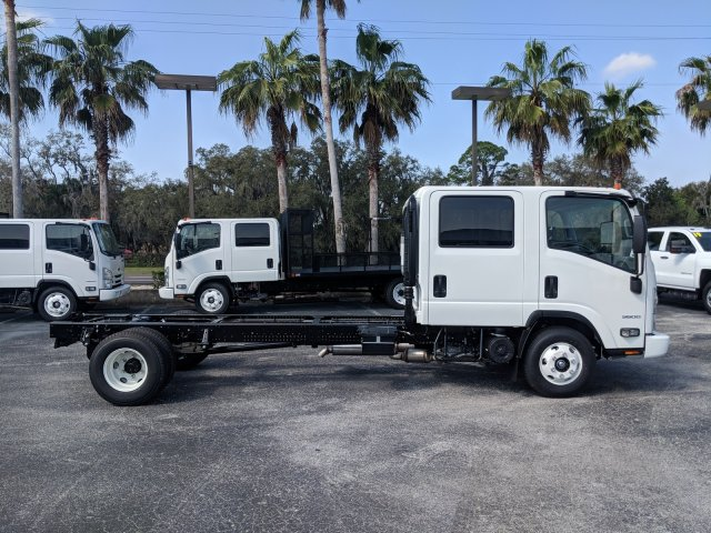 2018 LCF 3500 Crew Cab 4x2,  Cab Chassis #JS811772 - photo 4