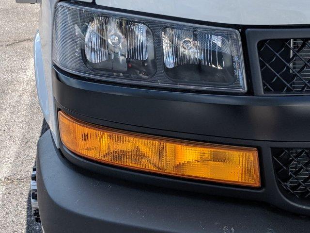 2019 Express 3500 4x2,  J&B Truck Body Cutaway Van #K1229078 - photo 10