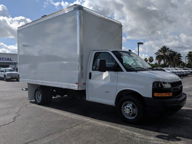 2019 Express 3500 4x2,  J&B Truck Body Cutaway Van #K1229078 - photo 6