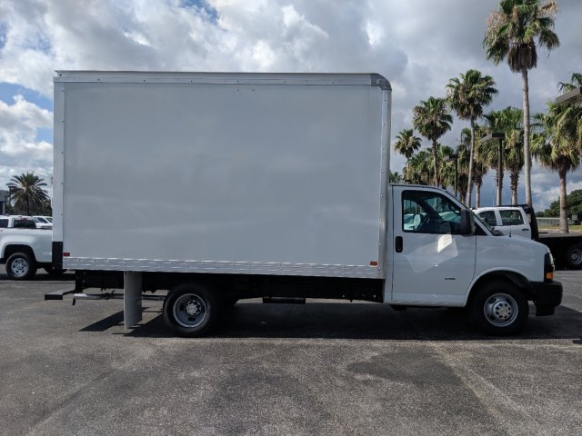 2019 Express 3500 4x2,  J&B Truck Body Cutaway Van #K1229078 - photo 3