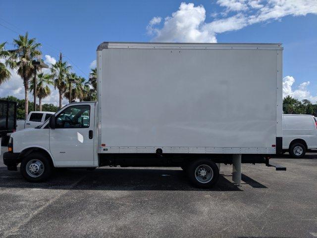 2019 Express 3500 4x2,  J&B Truck Body Cutaway Van #K1229078 - photo 3
