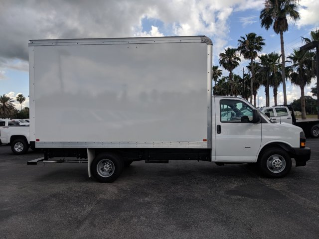 2019 Express 3500 4x2,  J&B Truck Body Cutaway Van #K1230295 - photo 6