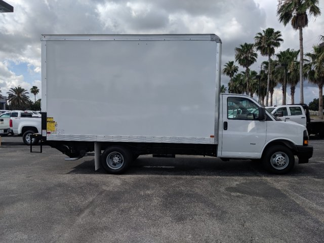 2019 Express 3500 4x2,  J&B Truck Body Cutaway Van #K1230323 - photo 3