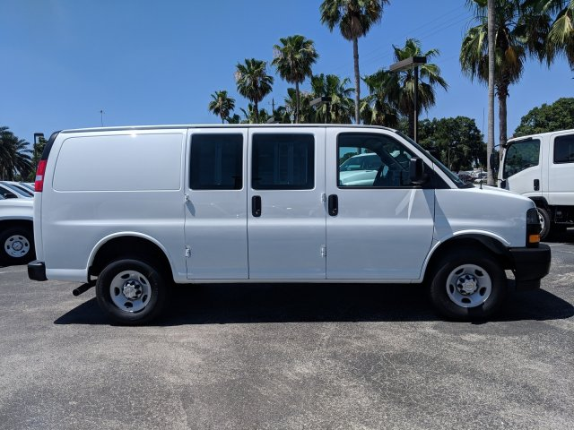 2019 Express 2500 4x2,  Empty Cargo Van #K1258231 - photo 3